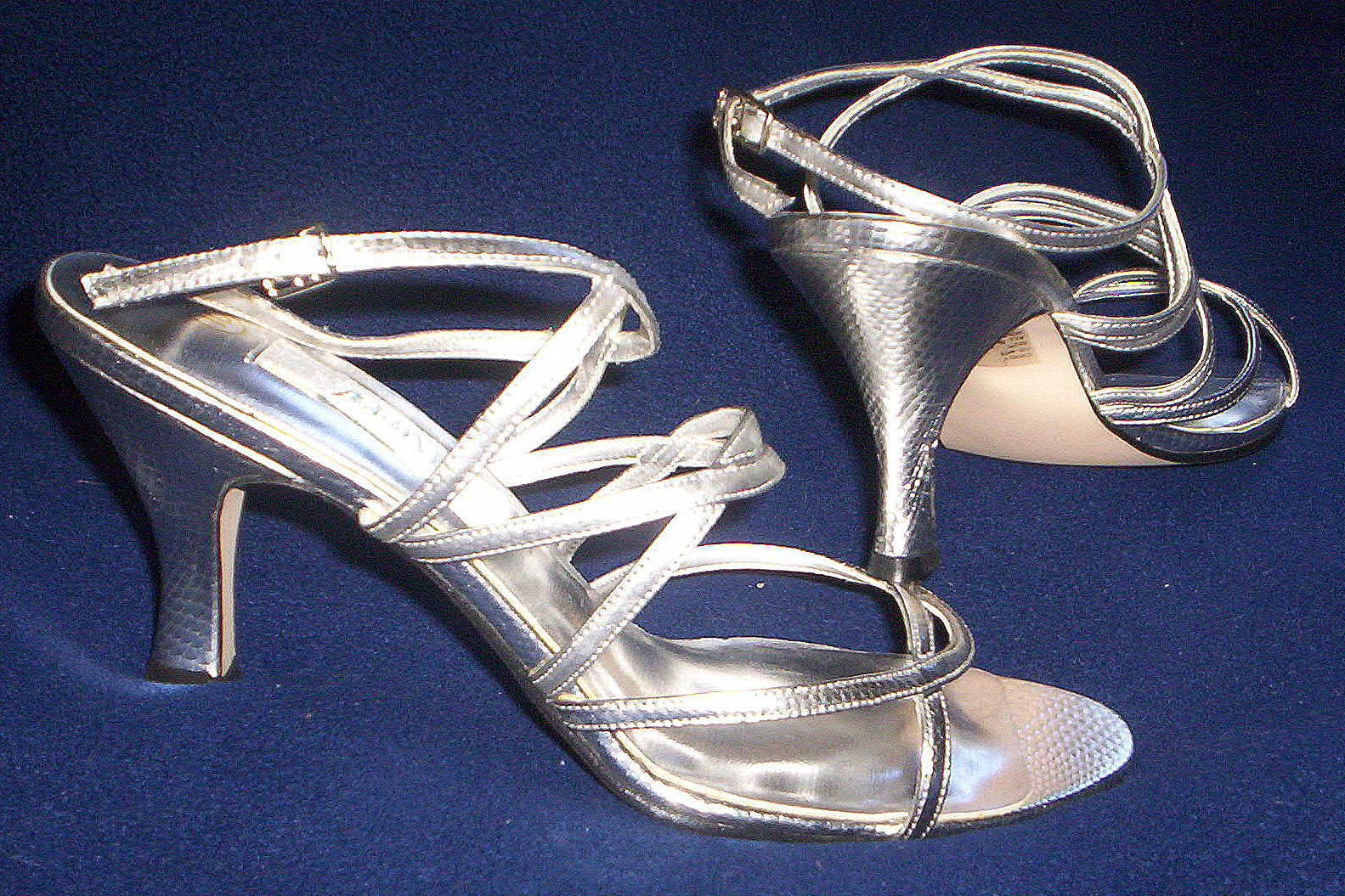 FREDERICO LEONE LADIES SILVER BRIDAL FORMAL STRAPPY SANDALS SHOES s9½ NEW IN BOX
