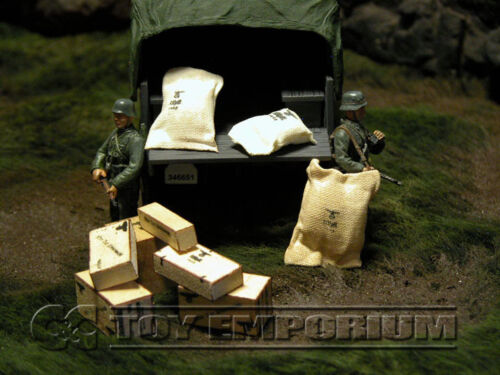 """9 Piece Set /""""RETIRED/"""" Build-a-Rama 1:32 Scale Hand Painted WWII German Supply"""