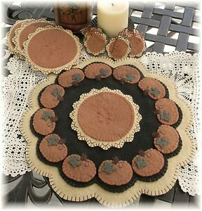 Easy as pumpkin pie autumn penny rug candle mat pattern for Penny coasters