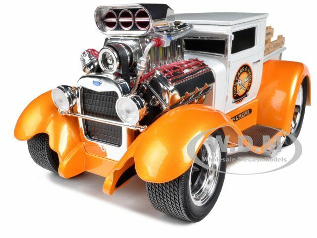 """1929 FORD MODEL A PICKUP WHITE/ORANGE """"MUSCLE MACHINES"""" 1/18 CAR BY MAISTO 32201"""
