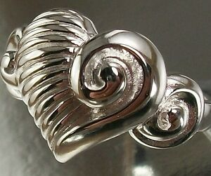 Sterling-Silver-US-Size-7-Ring-with-a-beautiful-Love-Heart-Design