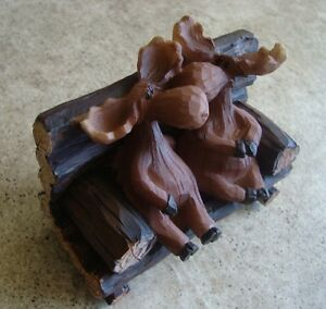 NEW-Moose-Kissing-on-Park-Bench-Rustic-LOG-CABIN-LODGE-HOME-DECOR