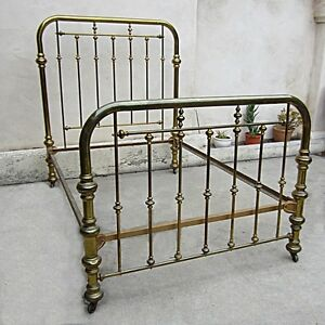 Vintage-Brass-Bed-Two-Inch-Tubing-on-Casters-Size-Full-Interlocking-Frame