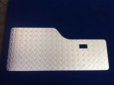 Rear Door Card - 2mm Chequer Plate - Natural - Land Rover Discovery 1