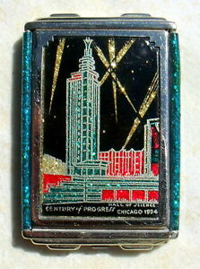 RARE-1934-CHICAGO-WORLDS-FAIR-COMPACT-BY-GIREY-IN-CAMERA-STYLE