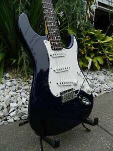 1994-Fender-Stratocaster-40th-Anniversary-Am-Std-Midnight-Blue-100-Stock