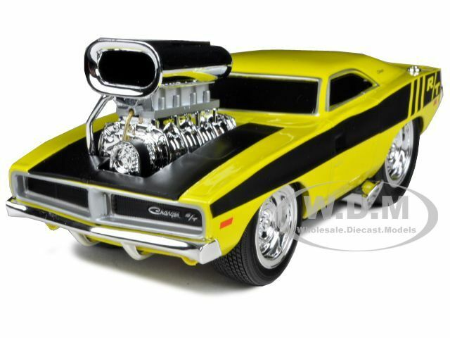 """1969 DODGE CHARGER R/T HEMI YELLOW GASSER """"MUSCLE MACHINES"""" 1/24 BY MAISTO 32235"""
