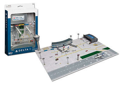 Delta Airlines Boeing 747 757 2 plane set 1/600 Scale with 23 pc Diorama New