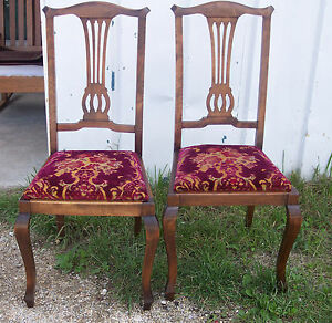 Pair-of-Mahogany-Sidechairs-or-Dinette-Chairs-SC17