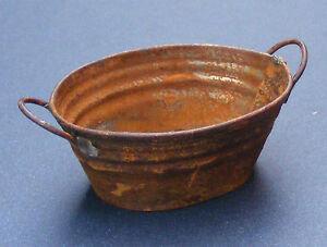 1-12th-Large-Rusty-Empty-Oval-Metal-Bowl-Bath-Tub-Dolls-House-Miniature-Garden