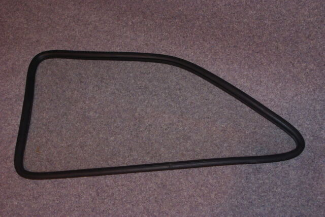 FORD ESCORT MK1 REAR WINDOW RUBBER LEFT HAND SIDE.......Recorded Delivery