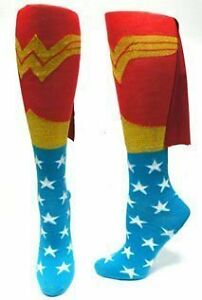 Authentic-DC-COMICS-WONDER-WOMAN-Knee-High-Juniors-Girl-Socks-with-cape-NEW
