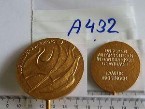 Medaille-Unseren-Mitarbeitern-in-Dankbarkeit-Meisinger-golden-1-Stueck-A432