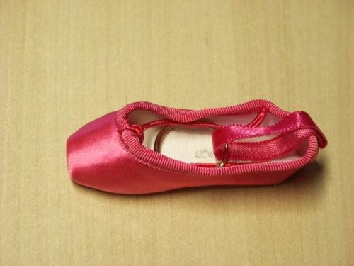So Danca Ballet Pointe Shoe Key Ring Various Colours Keyring