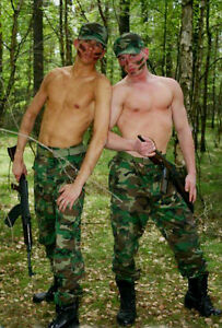 Shirtless-Male-Southern-Boys-Camo-Pants-Guns-In-the-Woods-PHOTO-4X6-Pinup-P2161