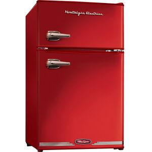 mini fridge w top freezer retro red compact. Black Bedroom Furniture Sets. Home Design Ideas