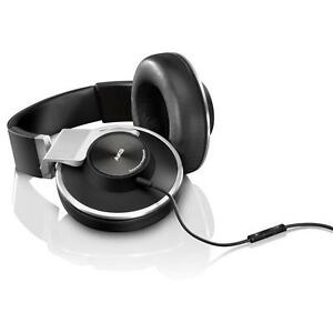 AKG-K551-Closed-Back-Reference-Class-Headset-with-Mic-Black-Silver