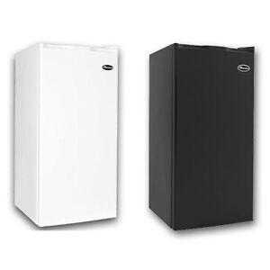 MicroLux-3-2-Cu-Ft-Compact-Refrigerator-Mini-Dorm-Room-Fridge-ML900