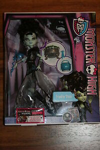 Monster-High-Frankie-Stein-Ghouls-Rule-Doll-Muneca-Halloween-New