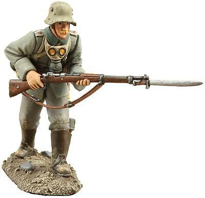 BRITAINS SOLDIERS 23039 - 1916 German Infantry Advancing No.1