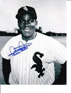 CHICAGO-WHITE-SOX-MINNIE-MINOSO-SIGNED-POSED-8X10