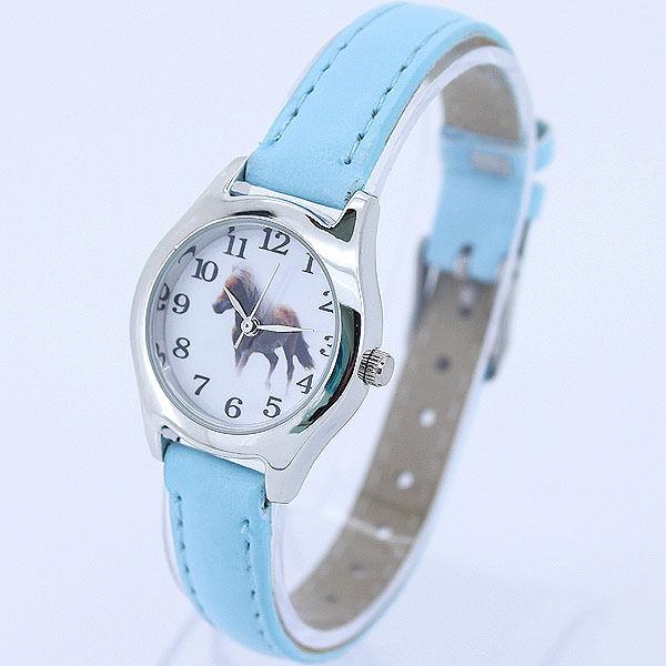 New Fashion Children Leather Horse Boy Girl Quartz Animal Wristwatch U11