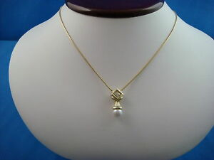 !BEAUTIFUL 14K YELLOW GOLD PEARL AND DIAMOND PENDANT ON 16 INCH SNAKE CHAIN