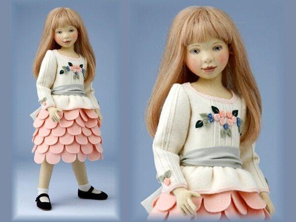 Charlotte  splendida bambola FELTRO handcrafted By Maggie Iacono