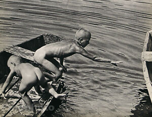 1935-Vintage-Print-NUDE-BOYS-SKINNY-DIPPING-Hungary-Photo-Gravure-GUSTAVE-SEIDEN
