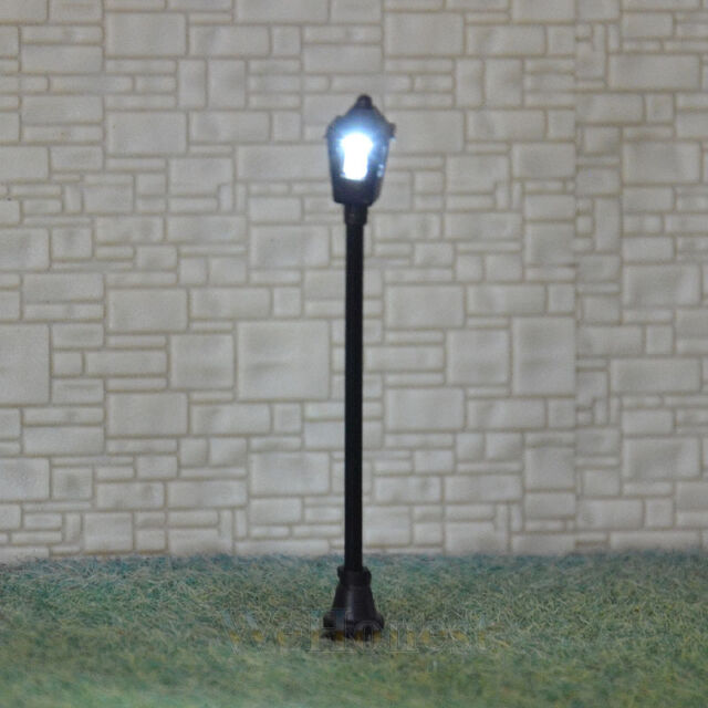20 pcs HO /OO scale Antique Lampposts LED made Cold Light NO melt Long life S004