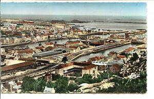 CP-50-MANCHE-Cherbourg-Panorama-sur-les-bassins-et-la-Plage