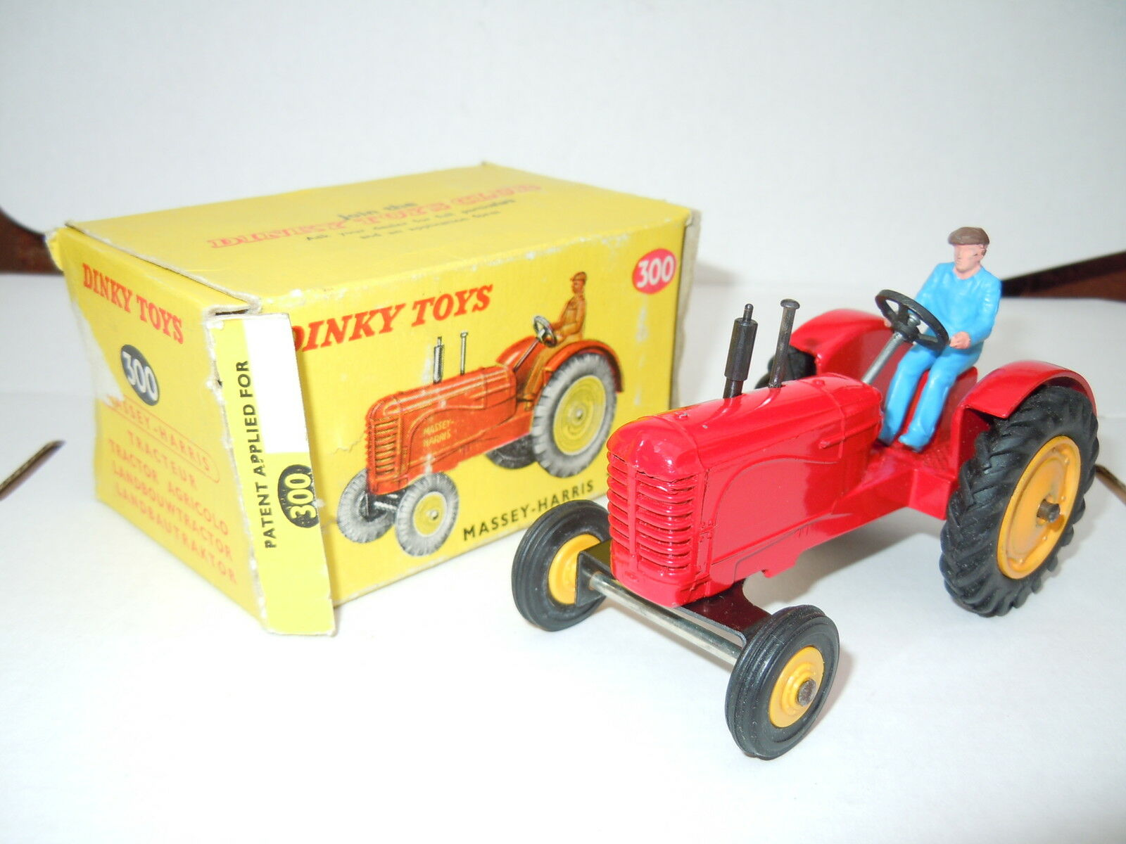 Dinky MASSEY HARRIS TRACTOR - 300 early production with rare tagged box
