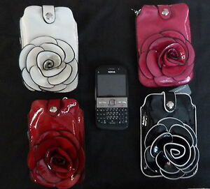 FASHIONABLE-LADIES-PATENT-MOBILE-PHONE-HOLDER-PURSE-WITH-RAISED-FLOWER-FRONT