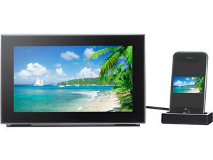 Panasonic-MW-20-Audio-System-with-9-LCD-Digital-Photo-Frame-for-iPod-iPhone