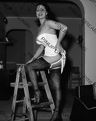 "Vintage re-print 1950s 10"" x 8"" Photograph of Burlesque Pin-up Star Mara Gaye"