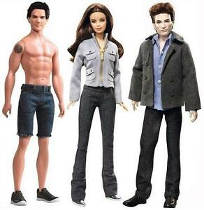 Twilight-Saga-Barbie-Dolls-3-Doll-Set-of-Bella-Edward-Jacob-Pink-Label-12