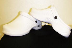 NEW-Unisex-Medical-Uniform-LIGHTWEIGHT-White-Nurse-039-s-Slip-On-Shoes-Clogs-5-14