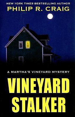 Vineyard Stalker (Thorndike Mystery)-ExLibrary