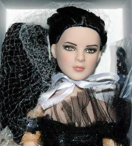 Party-of-the-Year-Frankie-NRFB-16-034-doll-Tonner-BW-Ltd-125-Convention-doll-Cami