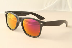 Retro-80s-eighties-throwback-sunglasses-Black-frame-mirrored-lens-vintage-style