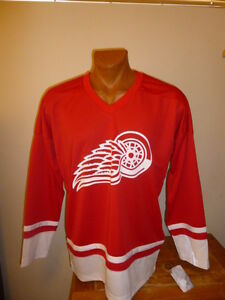NHL-Detroit-Red-Wings-Mens-Hockey-Jersey-Factory-2nd-Logo-Upside-Down-NWT-L