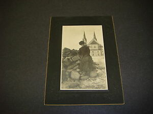 Antique-Cabinet-Photograph-Lady-in-Victorian-Dress-Hat-at-Beach-Church-S1381