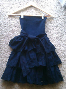 HOLLISTER-Strapless-Navy-Blue-Eyelet-Tiered-Ruffle-Mini-Dress-S-NWT-Sundress