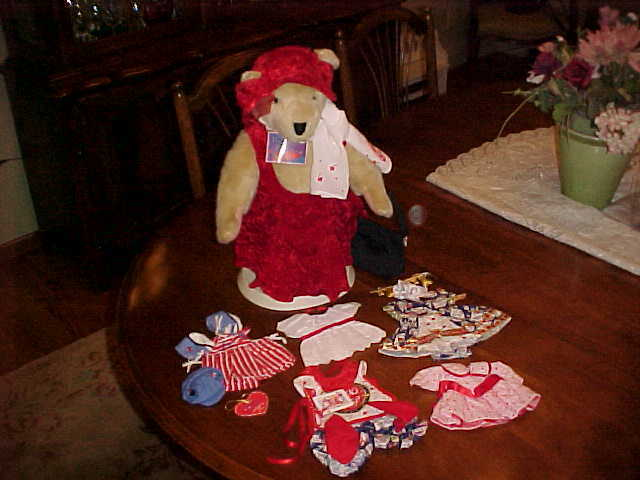 LOT MUFFY VANDERBEAR VALENTINE ALICE PAINT THE TOWN rosso & 5 MORE COSTUMES