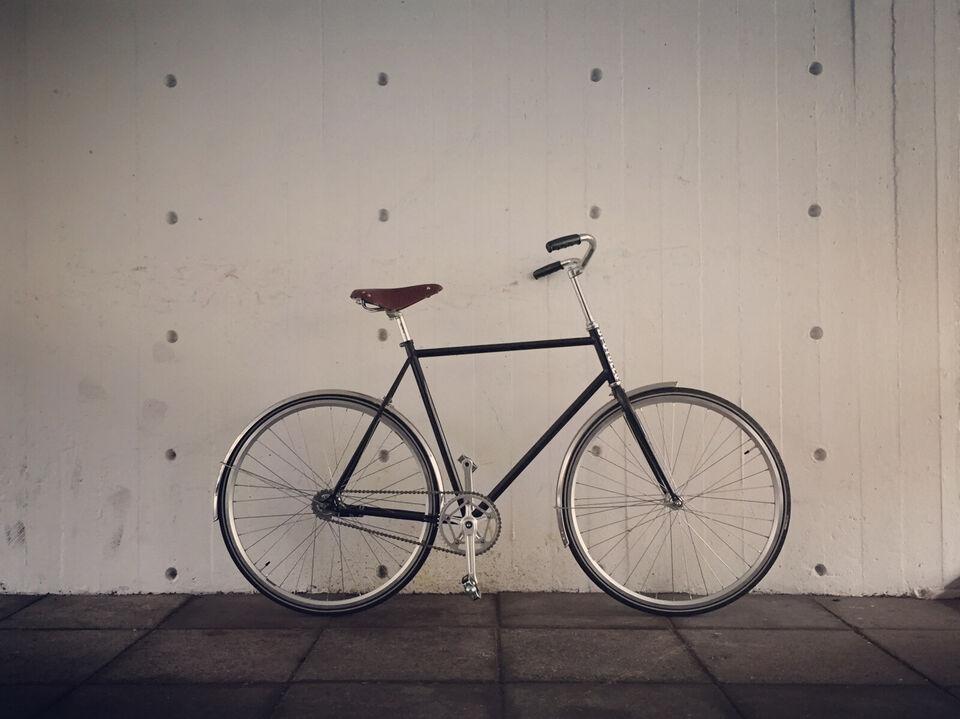 Upcycles - nybygget, minimal og stilren herrecy...
