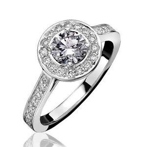 18Carat-White-Gold-amp-Round-Diamond-Halo-Cluster-Ring-0-30-carats-GH-SI-Hallmark