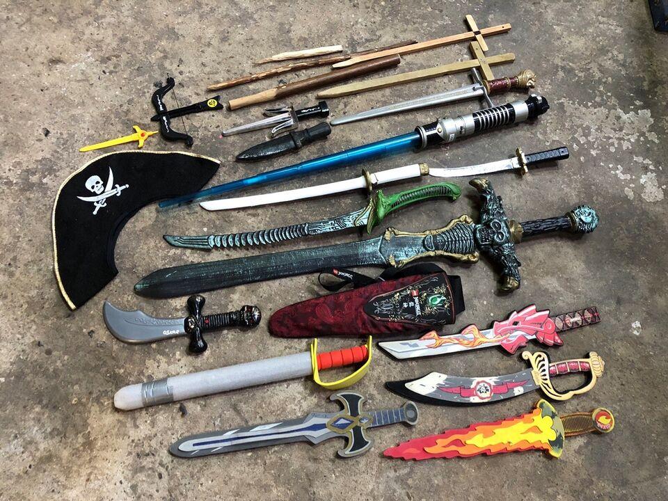Våben, 17 Sværd, sabler og knive