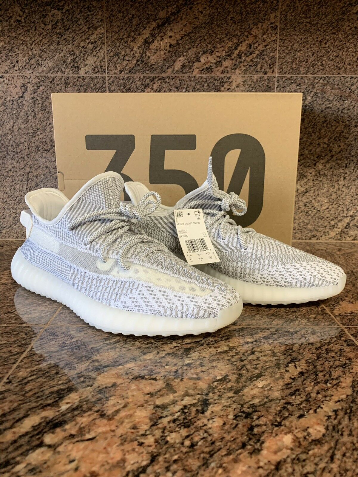 5b9a501fb1f39 YEZZY 350 V2 12US 11.5UK Static NONREFLECTIVE Included Foot Locker ...