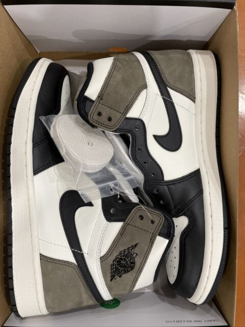 Nike Air Jordan 1 High OG Retro Mocha Size 8.5 555088 105