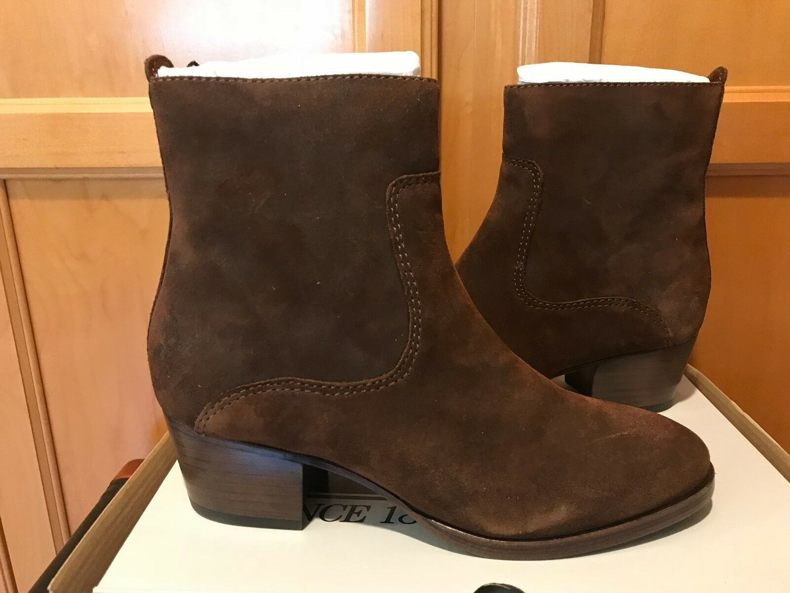 NIB NEW Frye Clara Zip Short Ankle stivali avvioies Marronee Dimensione 6 M